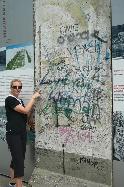 And there's Nancy checking out one of the few remaining pieces of proof that the Berlin Wall did actually exist at one point... as we said, Berlin's History is a fascinating one!!
