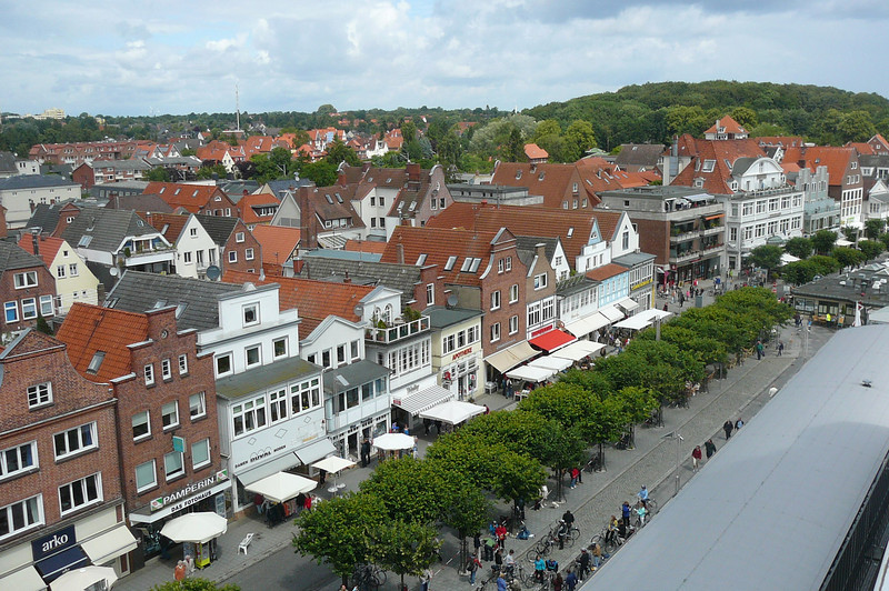Well, after an amazing 11 nights our final Port stop during our Northern Europe Cruise was back in Germany... a small town called Travemunde... here's a glimpse of her from our Ship.