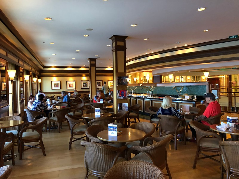 """Another nice casual dining venue onboard is """"The Bistro"""".<br /> <br /> Whether it was early morning, mid afternoon or late into the evening you could always find some guests here enjoying a specialty coffee, tea..."""
