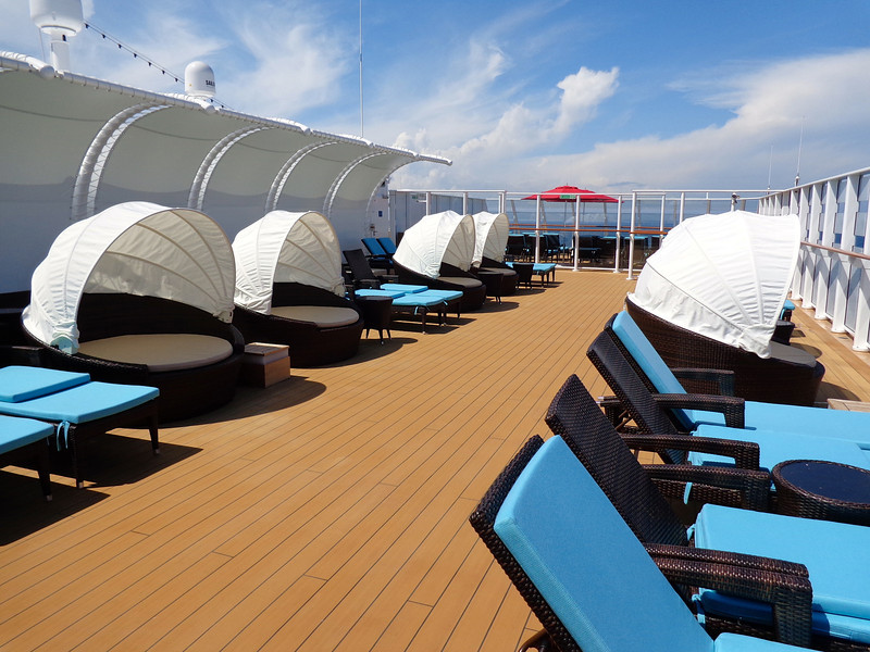 ...and private sundeck & cabanas...