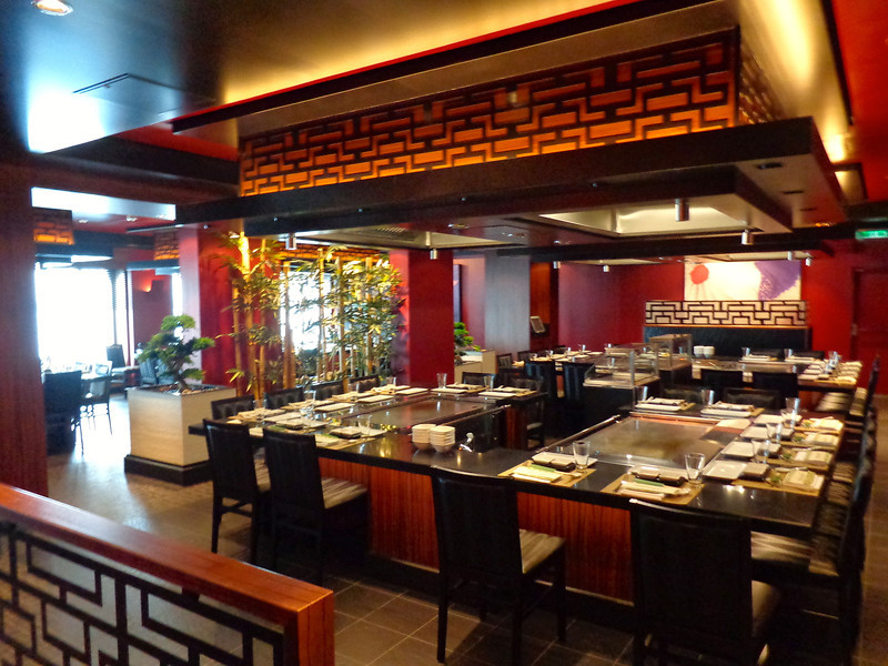Teppanyaki anyone?? Always a favorite restaurant of ours to dine at when Cruising on Norwegian... who doesn't love to be entertained while enjoying some super yummy food! :-)
