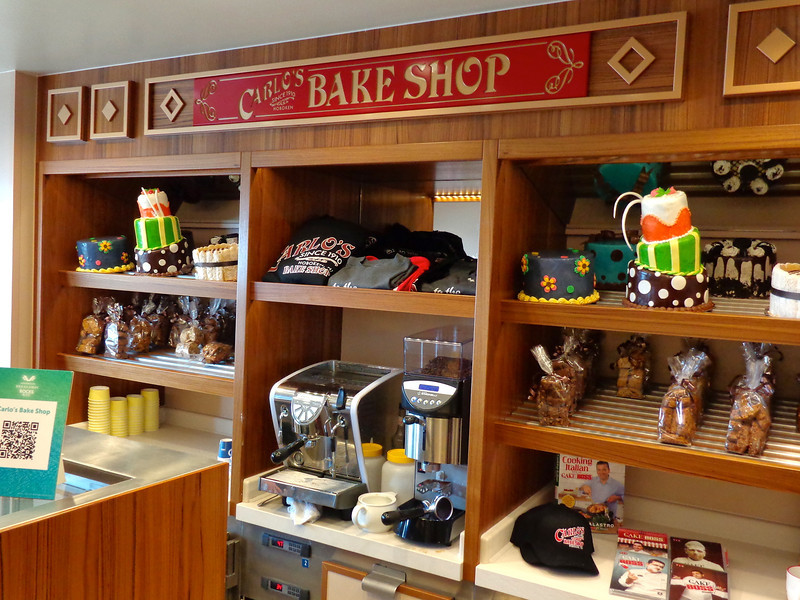 """We mentioned earlier that famous New Yorker """"Buddy Valastro"""" has one of his """"Carlo's Bake Shops"""" onboard the Breakaway... here's a peek inside."""
