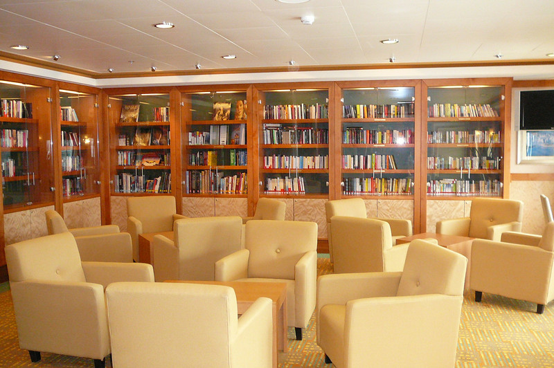 "Here's a glimpse of the ""Pearl's"" Library. Lots of books available to borrow and a great place to enjoy the quietness and catch up on your reading."