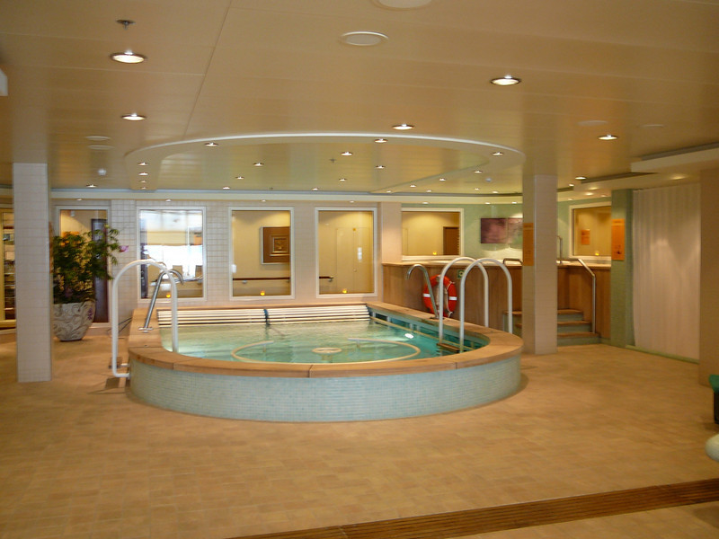The Thalassotherapy Pool and Hot Tub were in a Beautiful setting surrounded by candles, lots of natural light, etc. It was super nice!!