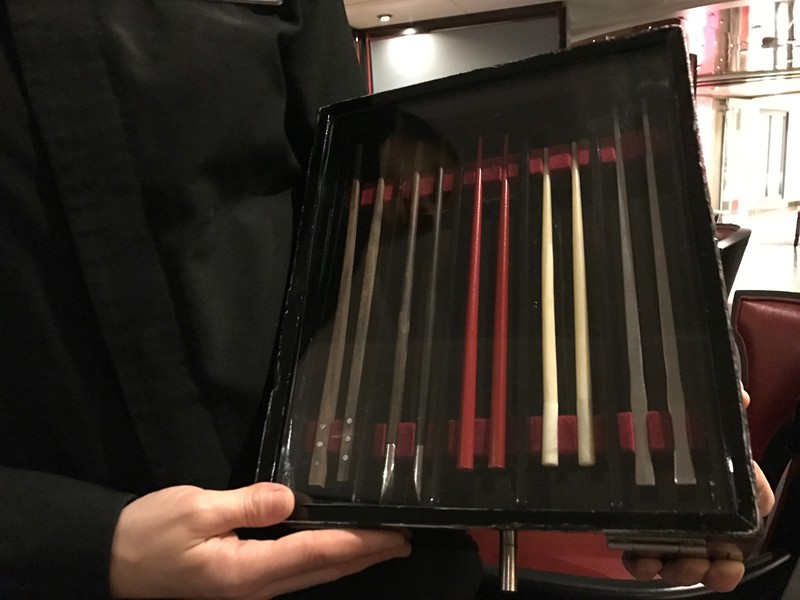 As we live in Vancouver we've been to many Asian restaurants over the years but we have to say, none have ever offered us a choice of chopsticks! :-)
