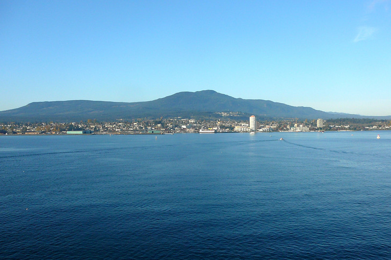 Here we are on the morning of Day # 2, sailing into Beautiful Nanaimo, BC... what a great late October day we had during our time there!!