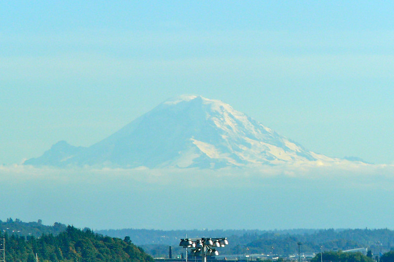 We can never remember which Mountains are which in Washington (we think this is Rainier) but whichever one this is she provides some Beautiful scenery when in Seattle on days like today!
