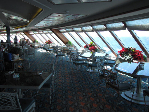 As the Buffett is on one of the highest decks on the Ships the views are awesome while enjoying Breakfast or Lunch!!