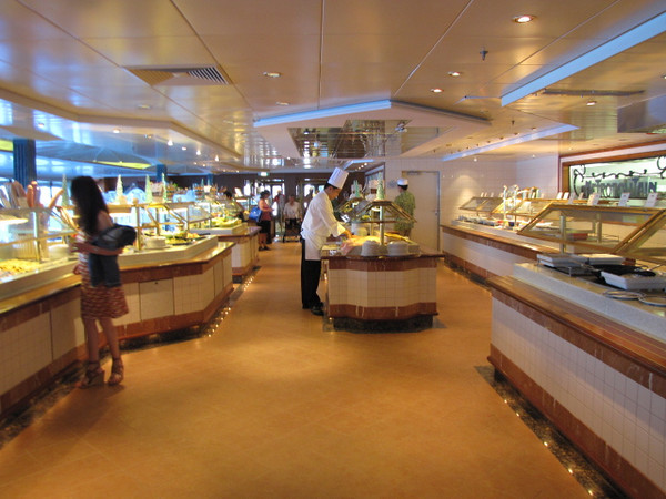 Another unique and awesome feature on Princess' Ships is their Buffett is open 24 hours per day... so no matter when you're hungry you can drop by for a snack... and did we mention, Free room service 24 hours per day too... you truly eat like Kings & Queens when Cruising!! :-)