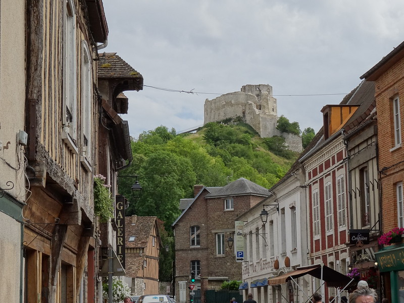 "Later that day we made a stop in ""Les Andelys"" and hiked up to ""Château Gaillard"" which was built by England's King Richard the Lionheart."