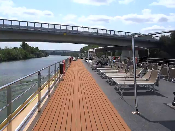 "Here's a video to give you a ""Live"" look at what sailing down a relaxing River is like."