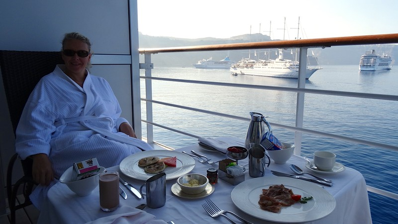 As we're not ones to turn down enjoying a yummy meal in the comfort of our Suite we tried breakfast…