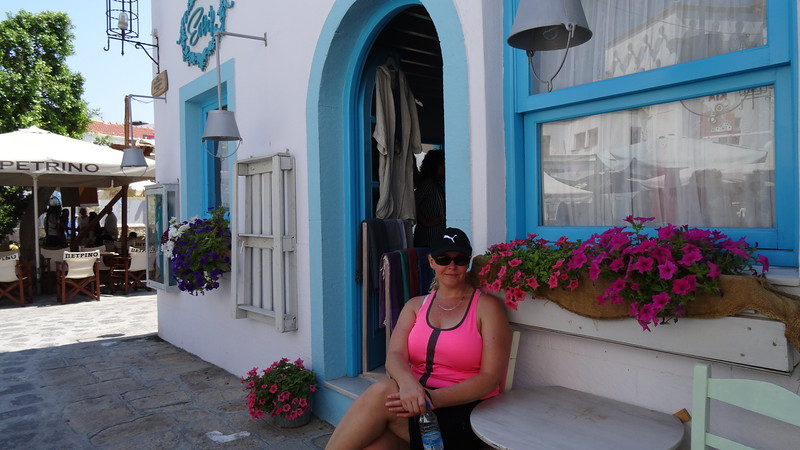 And like all Greek Islands there's plenty of restaurants and cute shops to check out as well! :-)