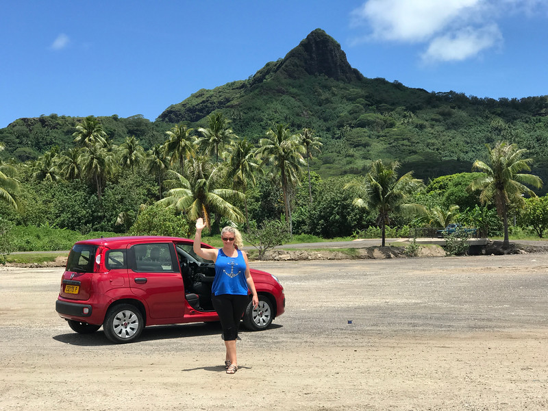 For our 2nd day in Bora Bora (all of Paul Gauguin's itineraries spend 2 days on this Island) we decided to rent a car to circle around the island... it's so small we literally didn't have to put any gas in our rental car upon return! :-)