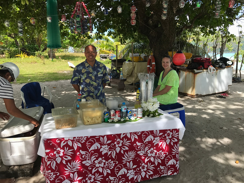 FYI, there's no BBQ here like on the Private Island but there's still some of Paul Gauguin's happy staff there waiting to serve you refreshing drinks and snacks! :-)