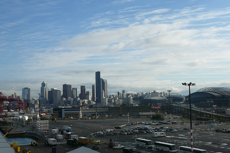 There's Seattle... looks like we've completed our overnight sailing... even though it was short & sweet it was great to get onboard a Ship to enjoy an evening of food, entertainment & fun!