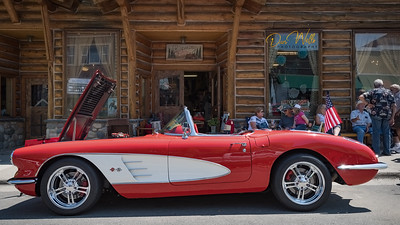 Larry & Linda Kloster of Casper, Wyoming made a powerful statement at the show with their LS1 powered vette.