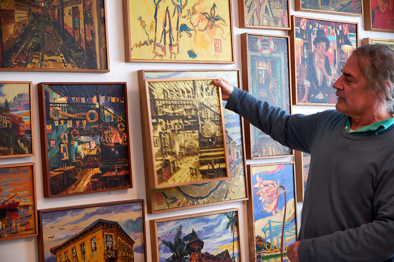 These are painting of Valparaiso life. Here he expains his process.
