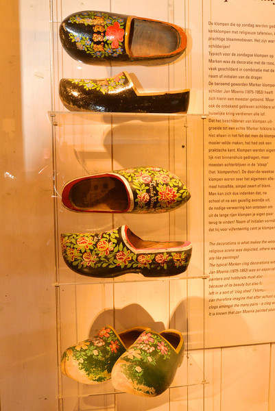 Examples of Shoes Painted by Artist Jan Moenist.