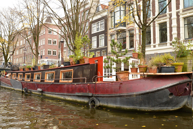 Variety of Houseboats.