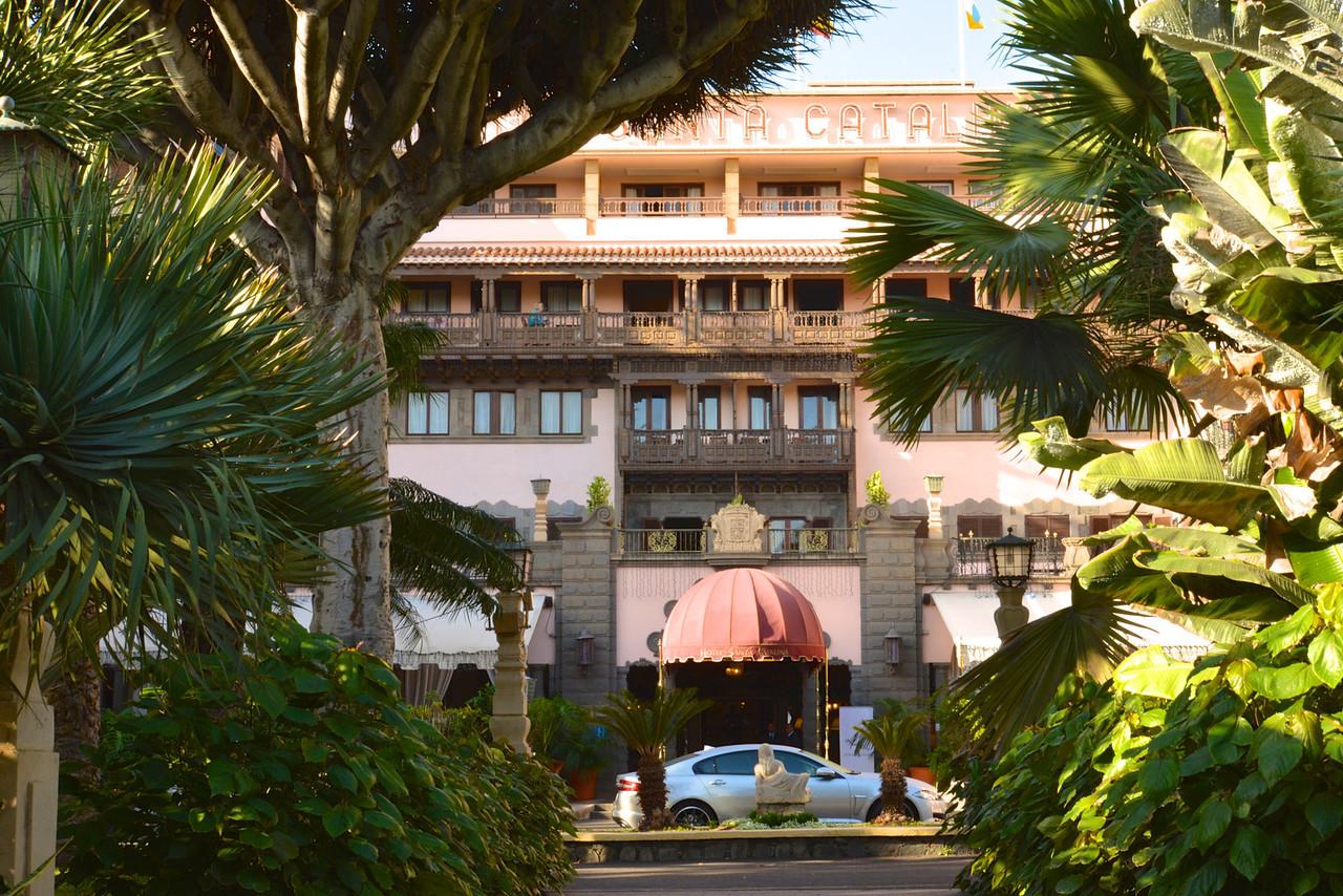 Approach to Hotel Santa Catalina.