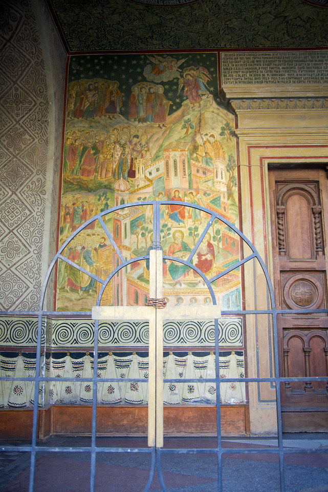 Heaven Depicted on Left Side of Entrance