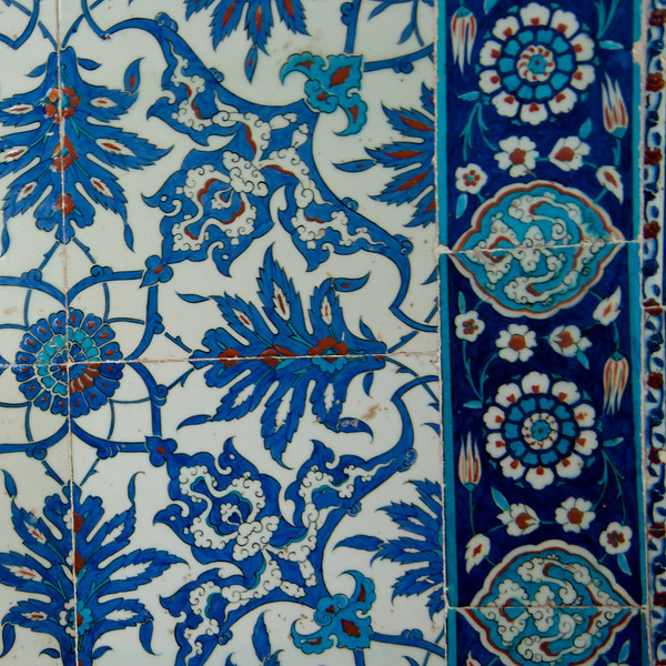 The Rustem Pasha Mosque is famous for its large quantities of exquisite Iznik tiles, that's what differentiates this mosque from the others as No other mosque in Istanbul makes such a lavish use of these tiles… Common Themes Are Floral Especi