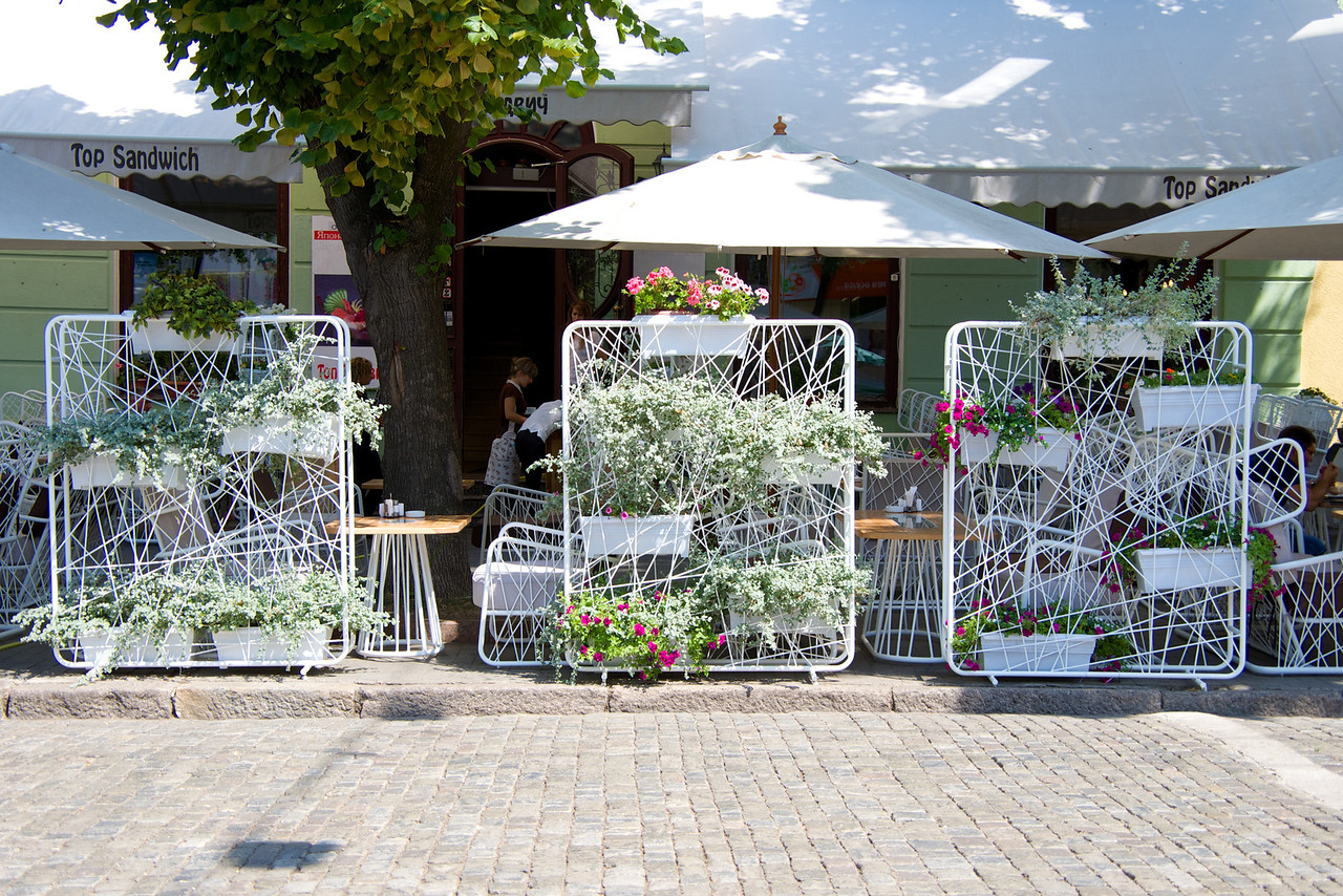 Restaurant Outdoor Decor
