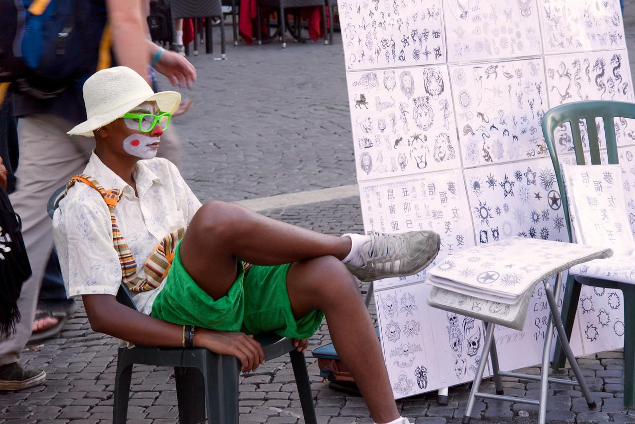 Hemp Tatoo Artist in Piazza Navona
