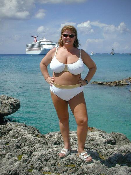 Nancy on the beach in Cayman Islands - 26 Sept 2001