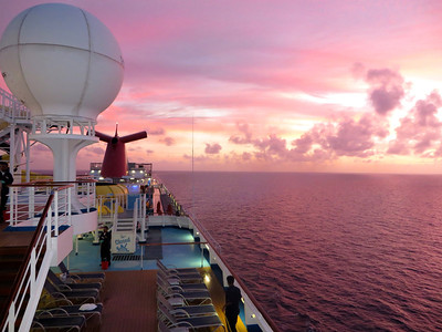 The sun sets on our 7 night cruise....so many good times!!