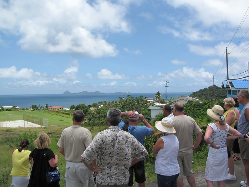 Mandoo tells us about the nearby islands and an underwater volcano north of Grenada.