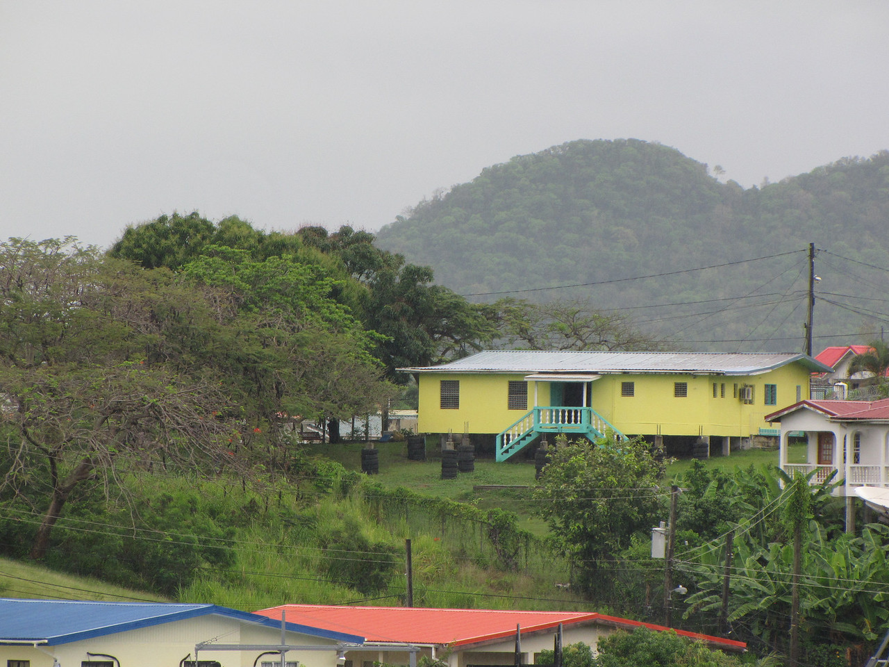 There were some colorful houses up in the hills above town.
