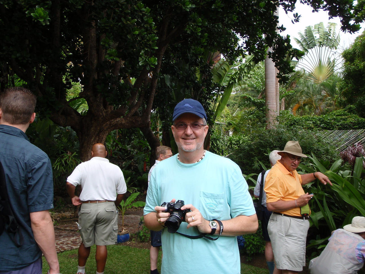 Next stop is the Andromeda Botanical Gardens where Kenny had ample opportunity to use his camera.