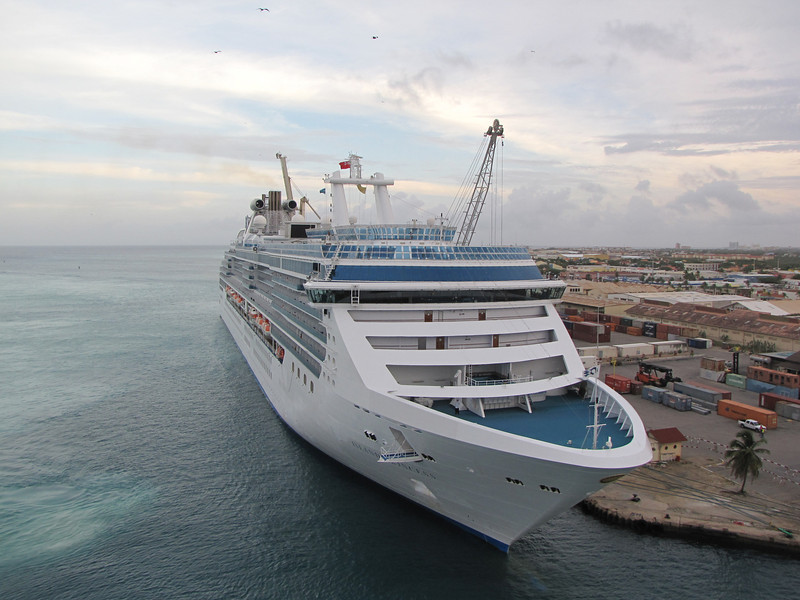 Princess Cruise Line's Island Princess was also in Aruba.