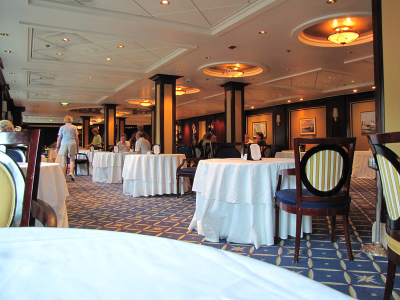 We eventually made it to Ocean Liners for breakfast with the rest of the Captain's Club Elite members.