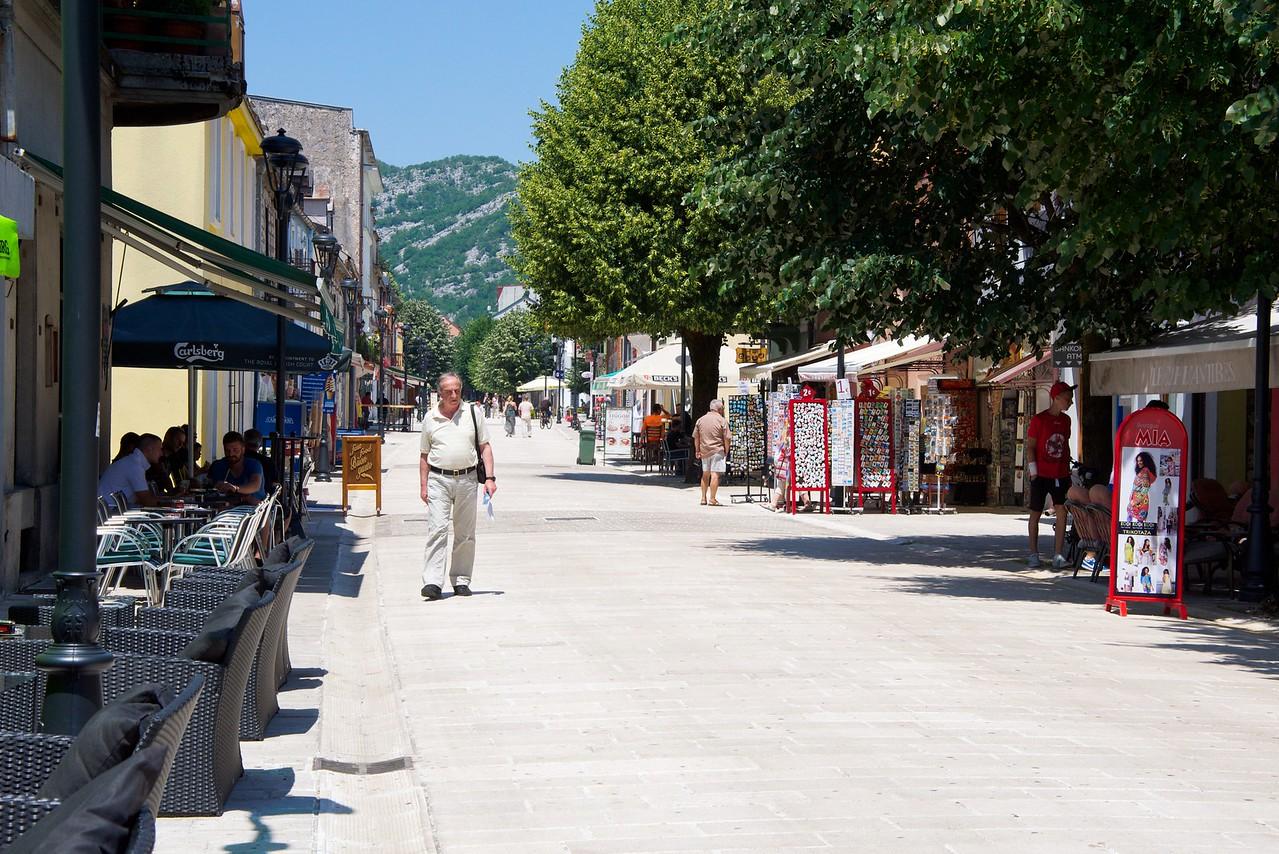 Pedestrian area in Centinje.