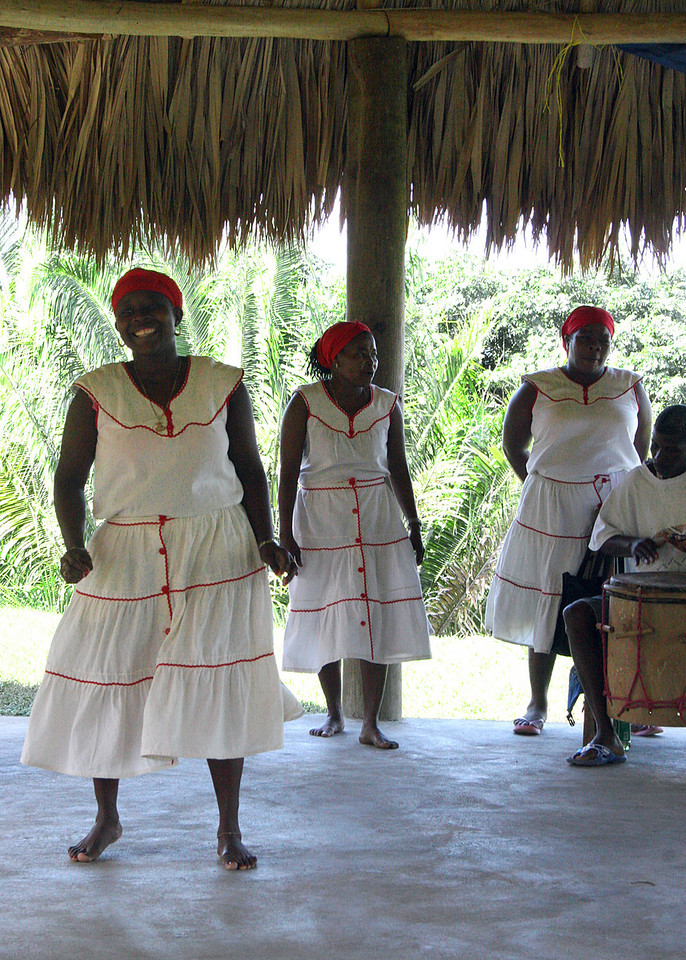 YUBU is a cultural attraction where you will have the opportunity of meeting Garifuna people and to experience their exotic dances and culture.<br /> <br /> The Garifuna community of Punta Gorda is the only true Garifuna community on Roatan. Punta Gorda was actually the first Garifuna settlement in Central America. The Black Caribs or Garifunas were marooned in Roatan by the British in 1796 and first settled in Punta Gorda.