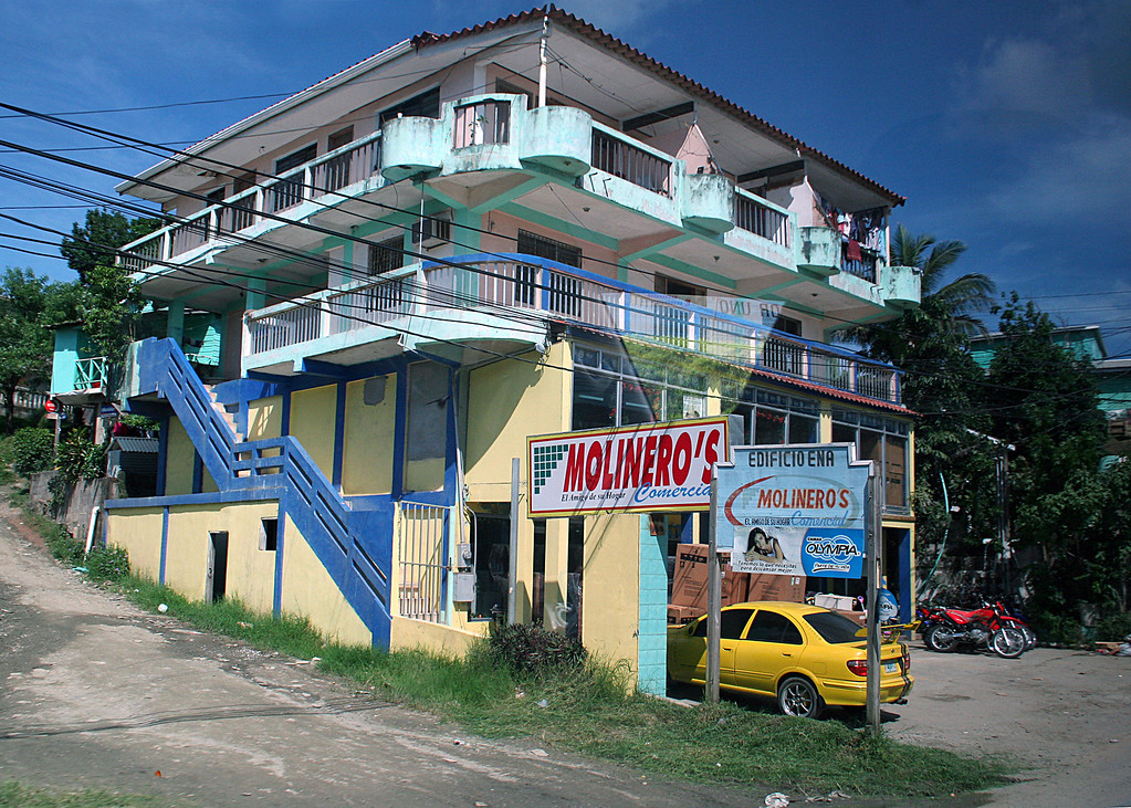 Building in Roatan
