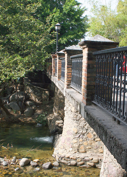 Bridge over Cuale in Old Town