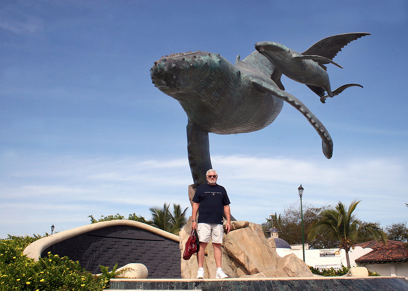 Mike in front of whale sculpture