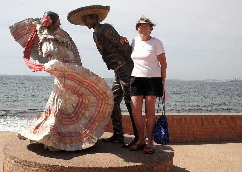 Susan and sculpture of dancers
