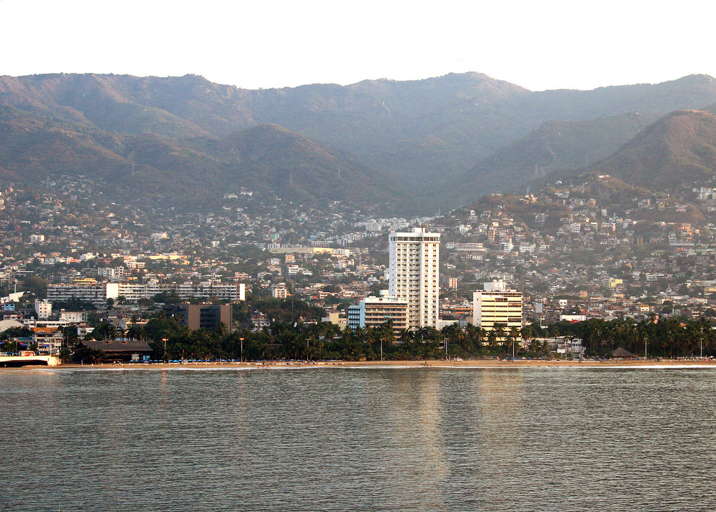 Coming into Acapulco