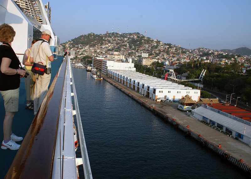 Coming into Acapulco