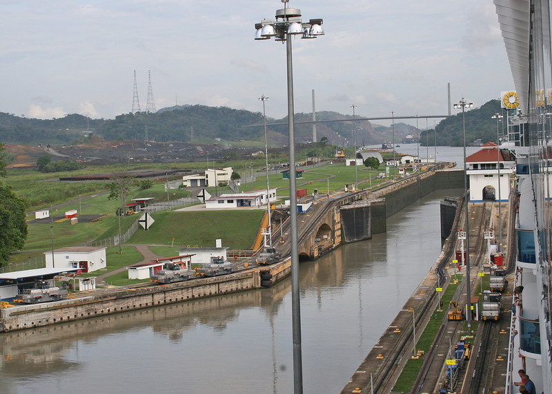 Coming up to the Pedro Miguel Lock.