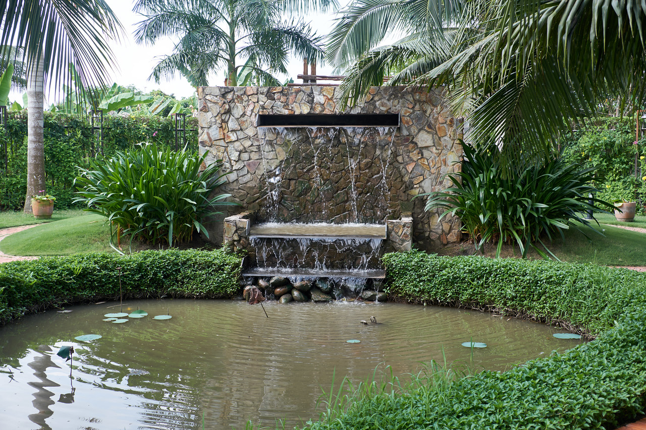 Water feature on the grounds of The Island Lodge.