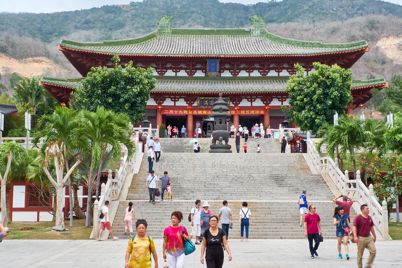 Nanshon Temple was built in 1988 to commemorate 2,000 years of Buddhism in China.