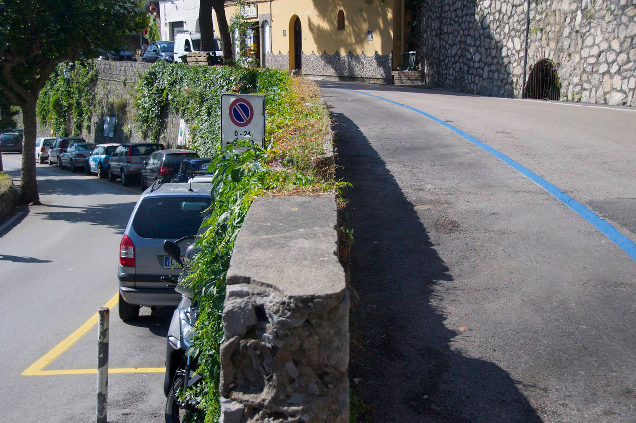 Hairpin Turns on Drive into Positano   This is The Middle of A Turn