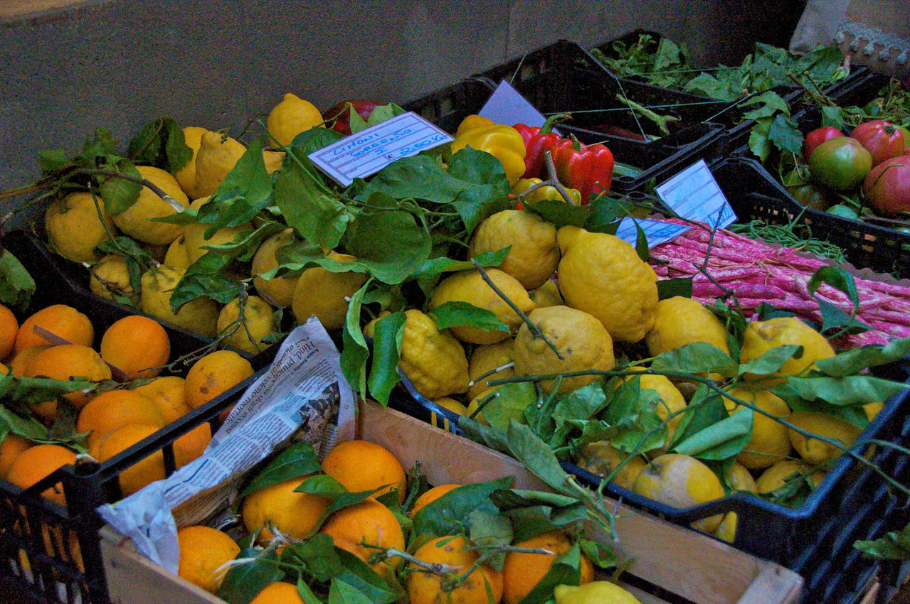 Market in Sorrento    Home of Lemoncella
