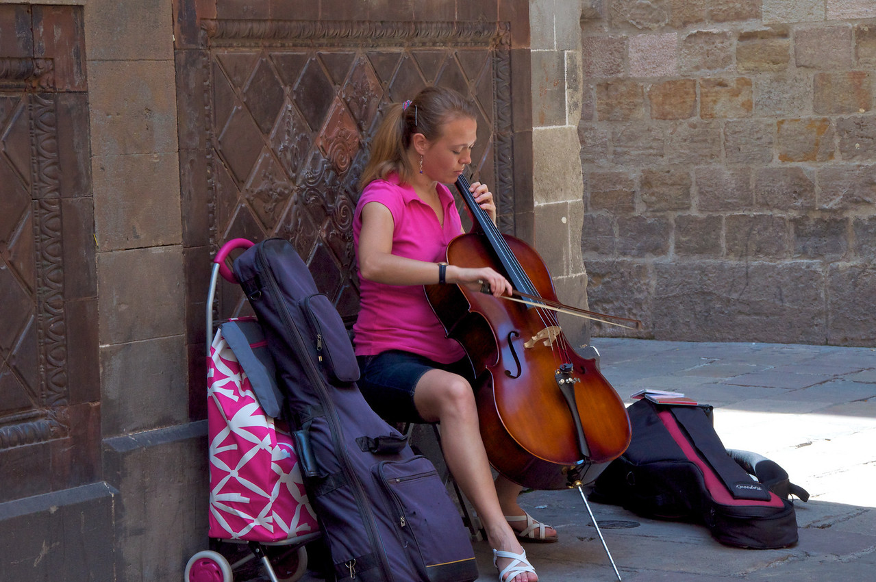Local Musican near Cathedral